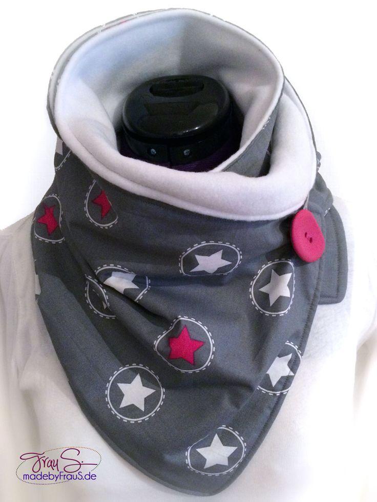 Es gab einen Wickelschal mit Knopf von leni pepunkt. So war es gewünscht und so sollte es sein. Süßigkeiten dürfen ja zu Weihnachten auch nie fehlen und dafür hab ich auch noch Stiefelchen genäht.