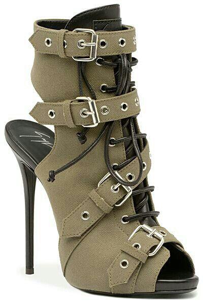 Green high heels!!!