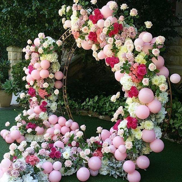 WEBSTA @ littlebigcompany - Balloon arch creativity by @seedflora #sydney #sydneycreative