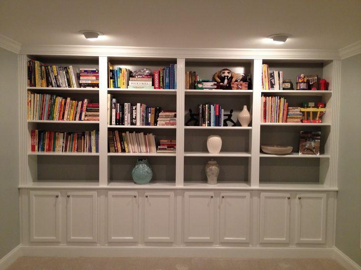 Bücherregale Ideen Nanox Sport Vier Regale Mit Quatro Regale, Gefüllt Durch Einige Moderne Dekoration Und Vielen Büchern In #Schlafzimmerschrank