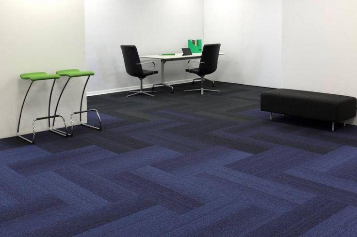 Modré zátěžové kobercové dílce Burmatex ve tvaru obdélníku 25 x 100 cm. / Blue Burmatex contract carpet tiles in plank shape 25 x 100 cm.   http://www.bocapraha.cz/cs/produkt/1057/grade/