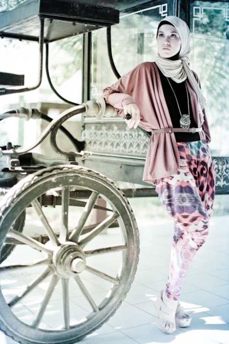 http://abayatrade.com muslim fashion magazine  stunning