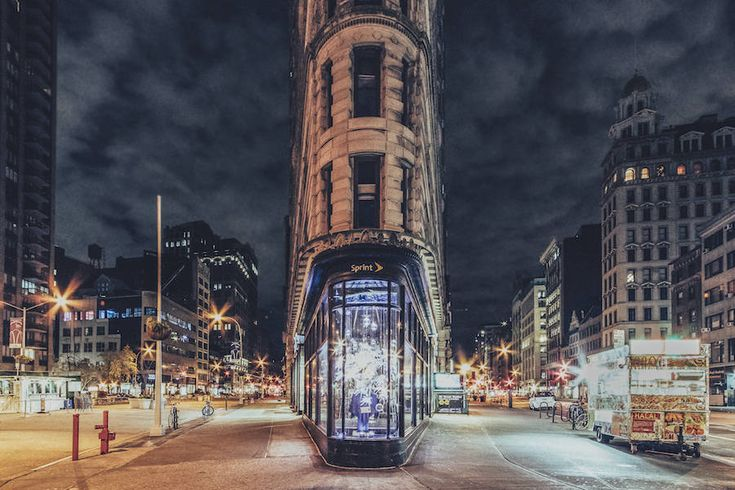 Unusual Photographs of the Empty Streets of New York During Thanks Giving