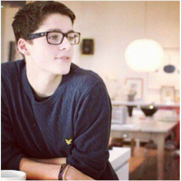 I <3 YouTubers ❤ liked on Polyvore featuring youtubers, boys, characters, guys and jack & finn harries