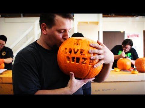 123Vaperizers Halloween Pumpkin Carving Contest