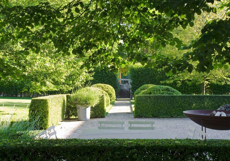 17 best images about parterre gardens on pinterest hedges ina garten and boxwood hedge - Ina garten garden ...