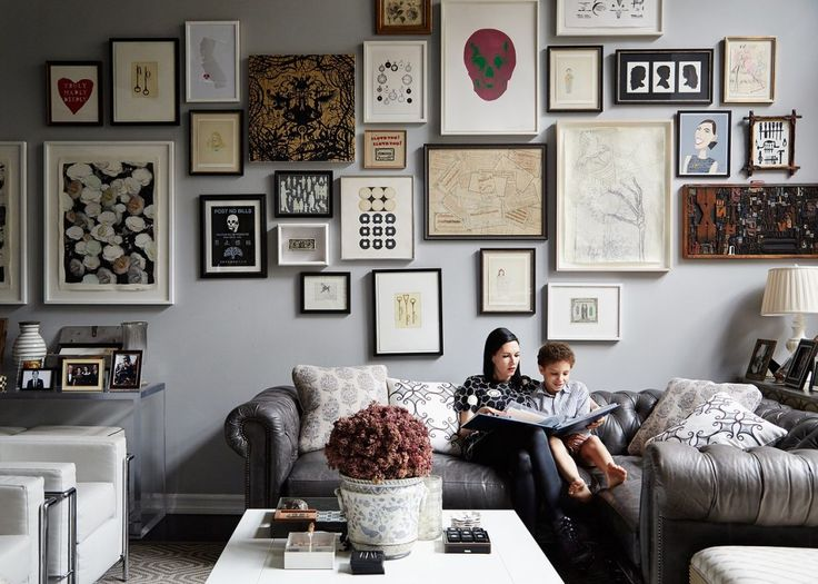 Jill Kargman is on a media blitz to promote the second season of her television show Odd Mom Out. The show is a little too over the top for me but what I do love is her apartment. Vogue just posted a few photos and the gallery wall of art by iLevel is right up […]