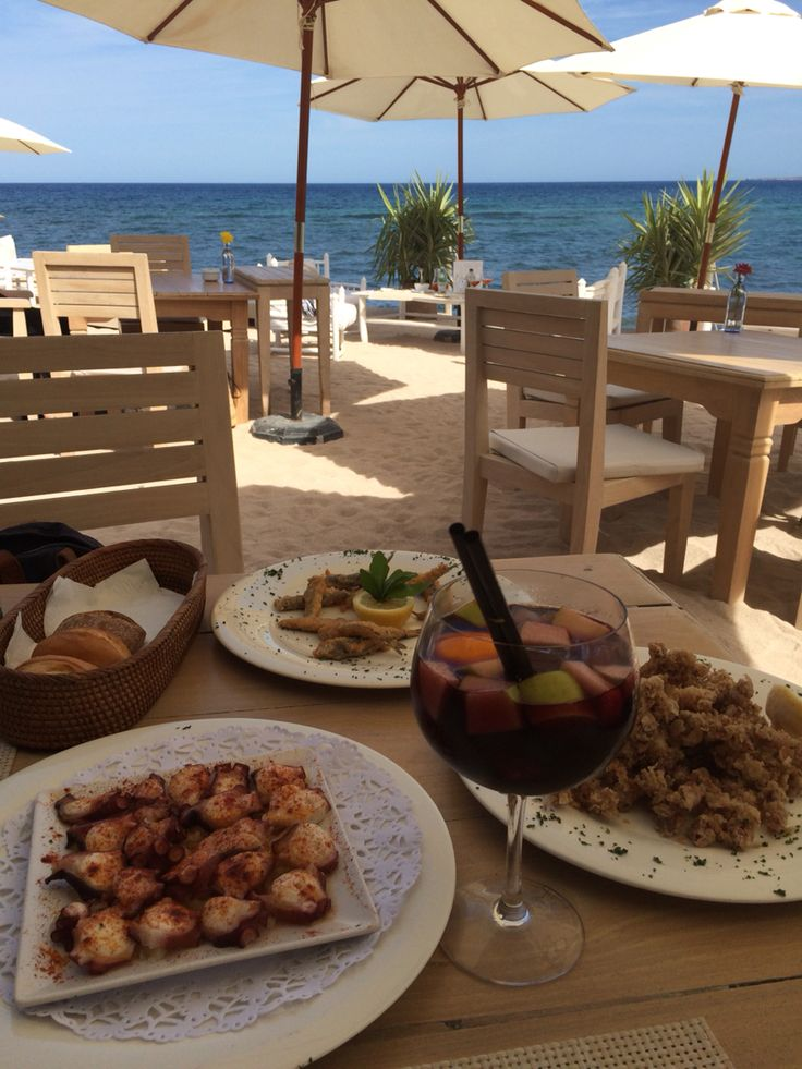 Tapas at the beach playa es cavallet
