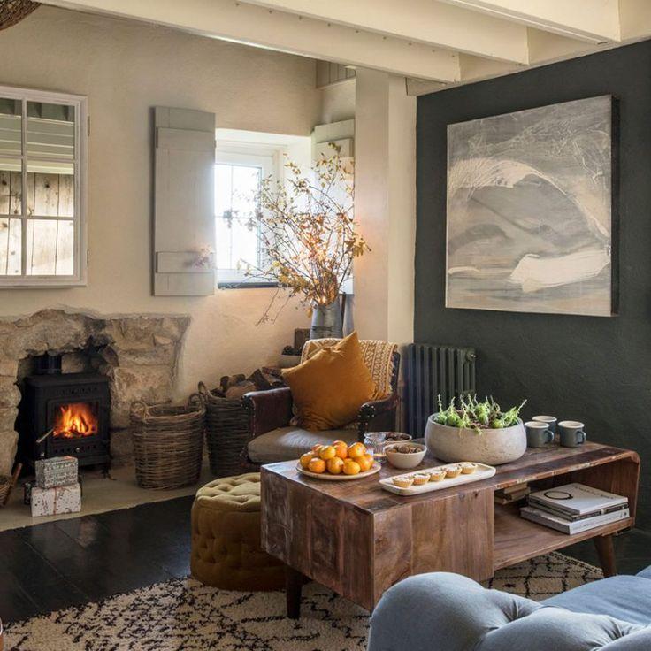 casa rústica familiar, salón con chimenea