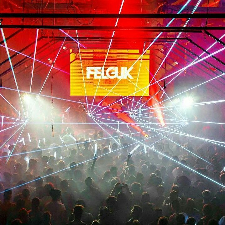 @Regrann from @felguk  -  A melhor sensação do mundo é curtir a festa com vocês ❤️👊🏻 Um brinde à música eletrônica! - #regrann