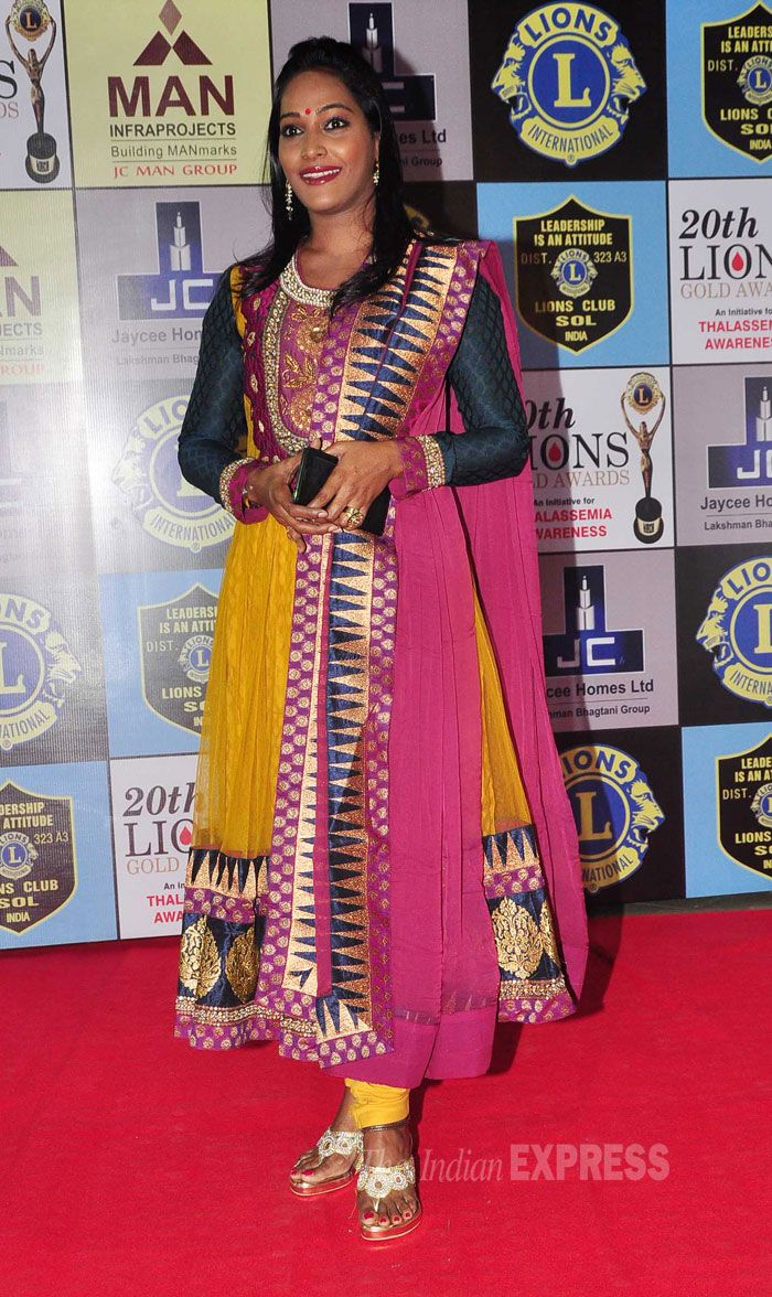 Rajshree Thakur, who acts in television series 'Bharat Ka Veer Putra – Maharana Pratap', was pretty in a multi-coloured churridar suit at the 20th Lions Gold Awards. #Style #Bollywood #Fashion #Beauty