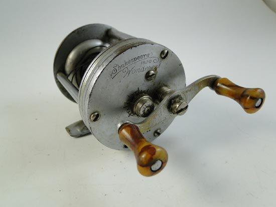 Vintage shakespeare casting fishing reel fishing gear for Shakespeare fishing reels