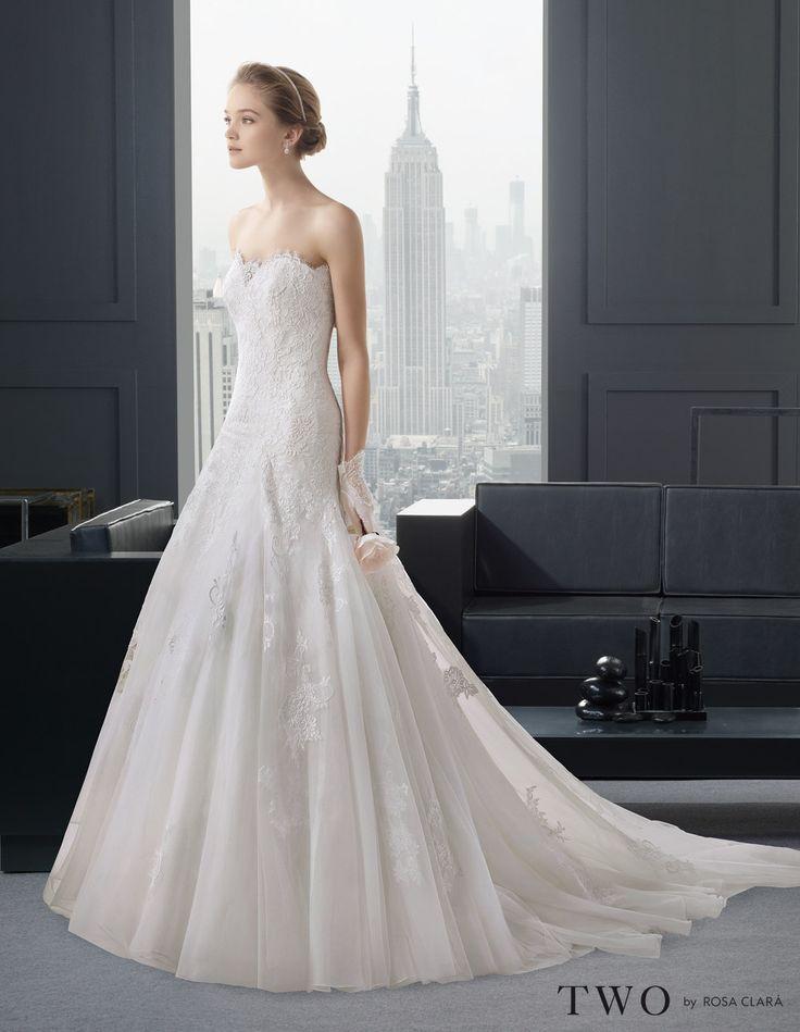 CHIC TWO-41 Lavorazioni #artigianali e #tagli perfetti su abiti ed accessori, per #matrimoni di grande classe. www.mariages.it