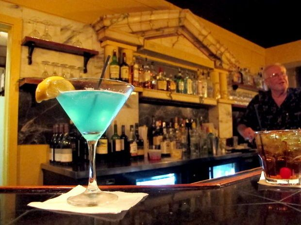 Cleveland Happy Hour Guide: The top 40 bar and restaurant deals on food and drinks (photo gallery)   cleveland.com