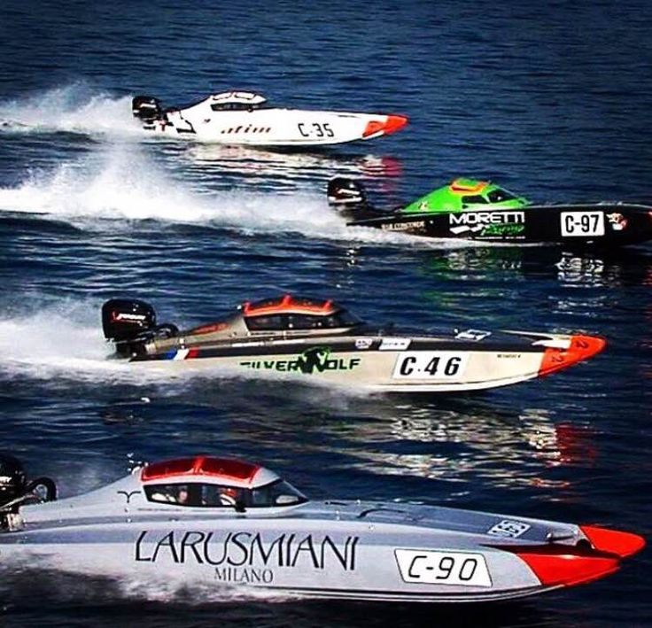 Flying over the waves. The Larusmiani Team on the second stage of the European and Italian Offshore 3000 Championship