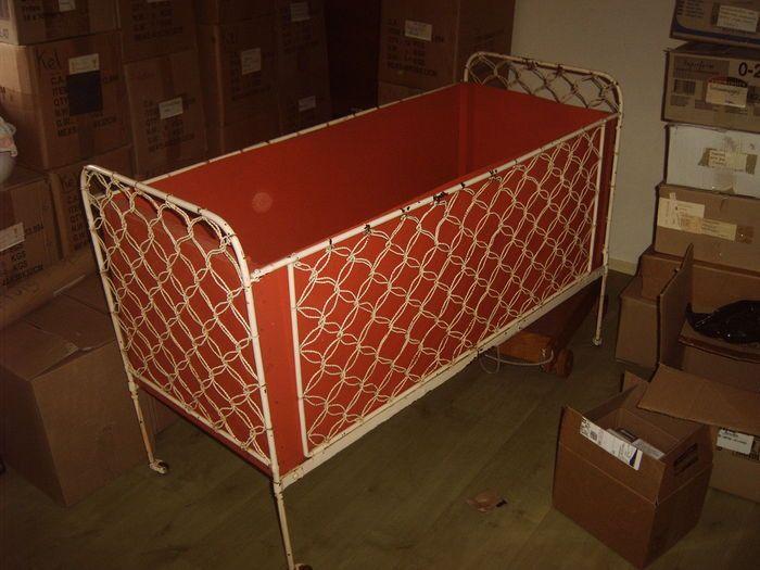 Online veilinghuis Catawiki: kinder bed -ledikant - ijzer