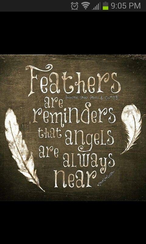 ''Les plumes nous rappellent que les gens sont toujours proches...'' Surtout dans un moments où on exprime notre liberté créatrice <3