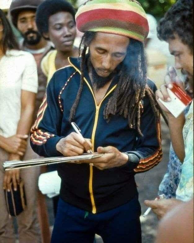 42 Ideas De King Robert Bob Marley Fotos De Bob Marley Musica Reggae