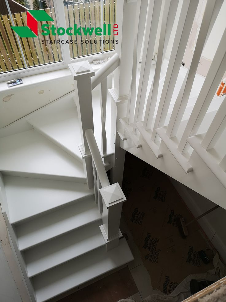 Best Painted Winder Staircase Spiral Spindles And Square 400 x 300