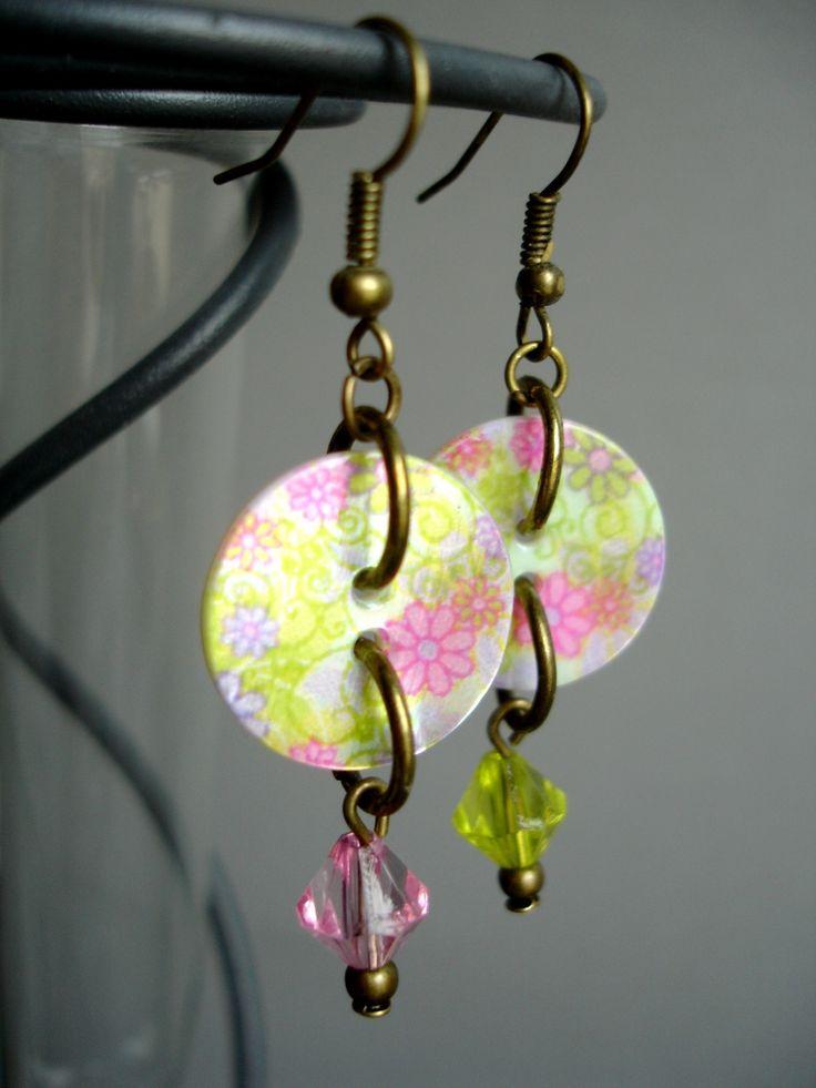 BOUCLES d'oreilles avec boutons de nacre LIBERTY multicolores perles