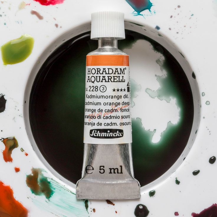 In order to achieve the highest standard regarding lightfastness, resolubility and stability, Schmincke use the best raw materials available to make their Horadam Watercolours. There is no compromise in quality - the highest standards of artists' pigments allow the highest level of lightfastness.