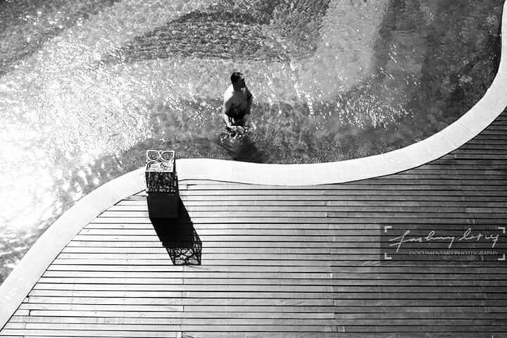 Ada keseimbangan ketika kapan harus di dalam air, kapan harus di atas tanah dan kapan harus diatas langit. Bogor 2016. Photo ©Fachry Latief.