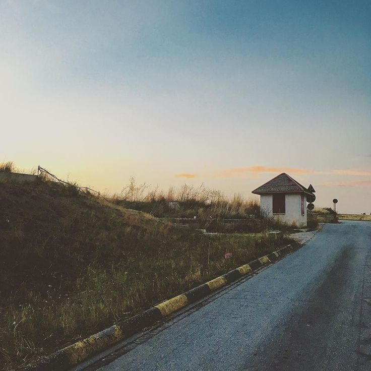 Gravina Mia  #gravinainpuglia #gravinainphoto #gravinatoday #gravina #puglia #pugliamia #pugliatop #pugliabella #madonnadellastella #instagood #instagram #instaphoto #instapuglia #instapuglove #iphonesia #sky #skyporn #skyline #sunset #sunsets #tramonto