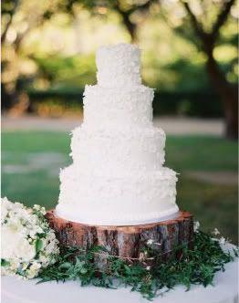 wood cake standWood Block, Trees Trunks, Dreams, Wood Slices, Wedding Cakes, Wedding Cake Stands, Trees Stumps, Alternative Wedding, Rustic Wedding