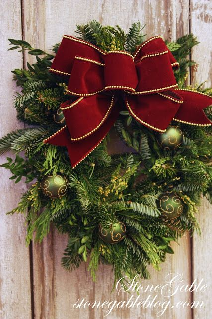 StoneGable: MAKING A CHRISTMAS BOW. Love this wreath idea for my front door.