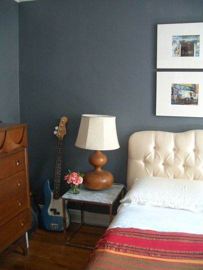 valspar hematite 4006 2c in entryway and bedroom paint