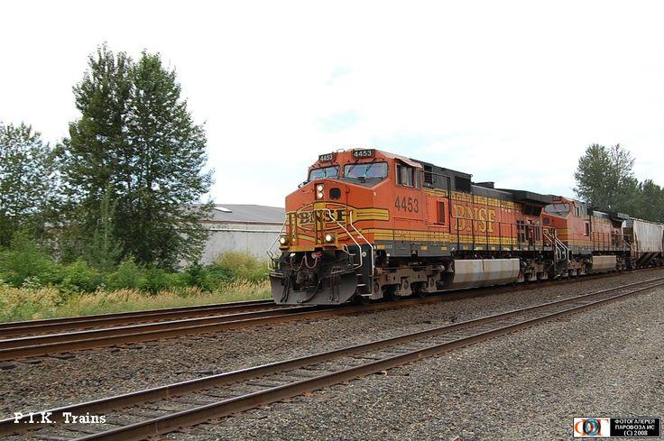 Тепловозы GE C44-9W (DASH9-44CW) компании BNSF, город Кент, США