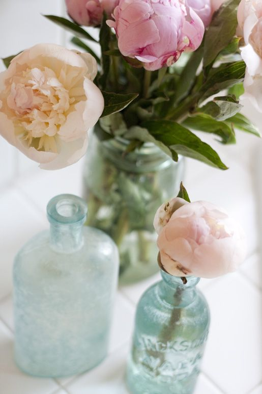 peonies in vintage jars.: Vintage Jars, Blue Glasses, Vintage Glasses, Pretty Peonies, Glasses Jars, Glasses Bottle, Mason Jars, Flower, Delicate Peonies