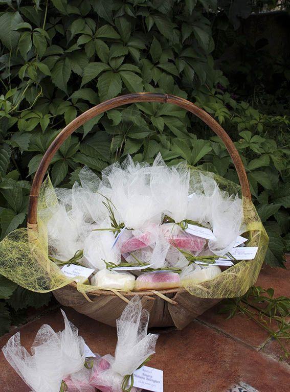jabones ecológicos y artesanos para regalar a los invitados de bodas, bautizos y comuniones... en www.seleccionatural.es
