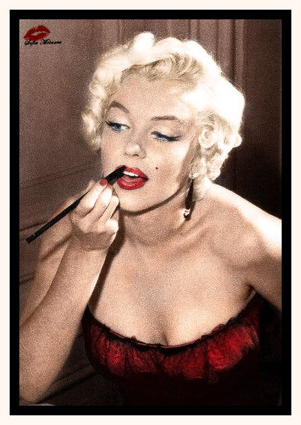 Marilyn Monroe 1955   This is an awesome colorization of her. Love it! ❤❤❤