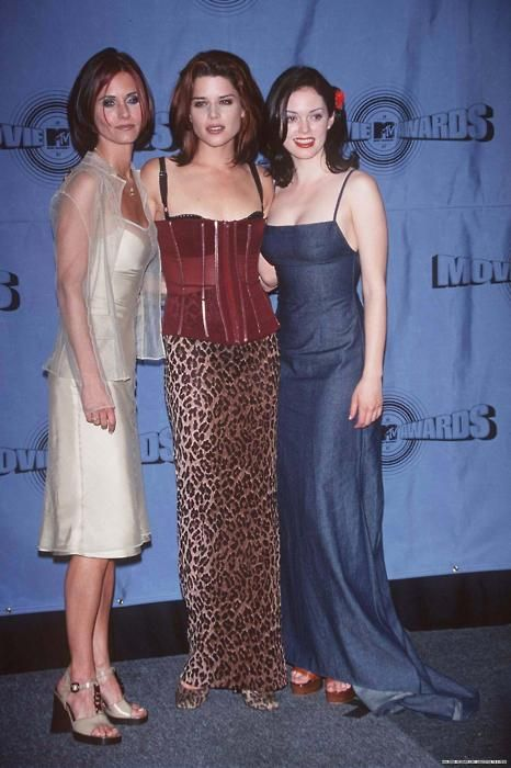 Courteney Cox, Neve Campbell and Rose McGowan - MTV Movie Awards(1997)