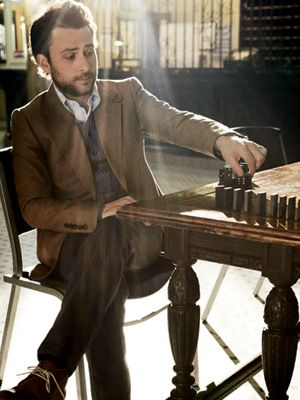 charlie day- i find him so attractive. probably because I think he looks a little bit like bucks.