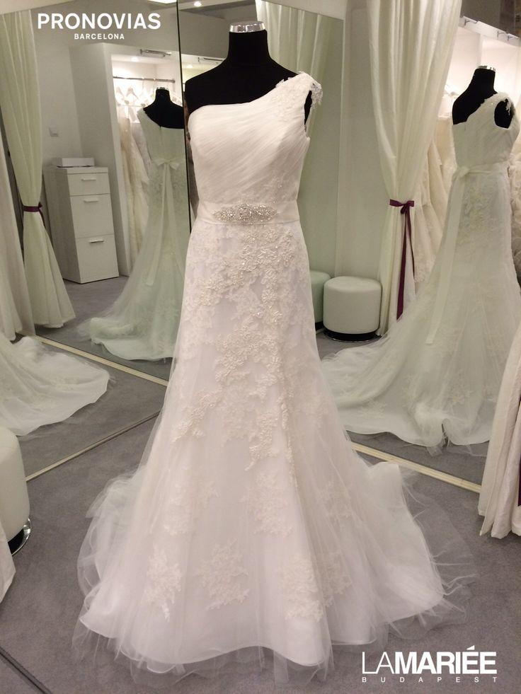 Bora wedding dress by Pronovias 2015 http://lamariee.hu/eskuvoi-ruha/pronovias/bora