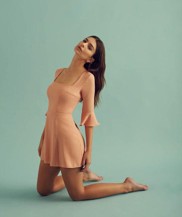 emily  u2013 actrice  model  streetstylegezicht  u2013 ratajkowski breidde onlangs haar cv uit voor het