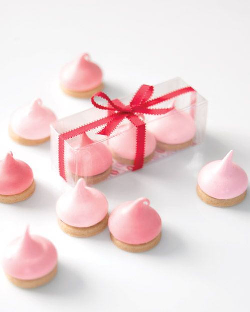 Chocolate marshmallow kiss cookies. So simple and pretty for a Valentine sweet table or packaged as little gifts.
