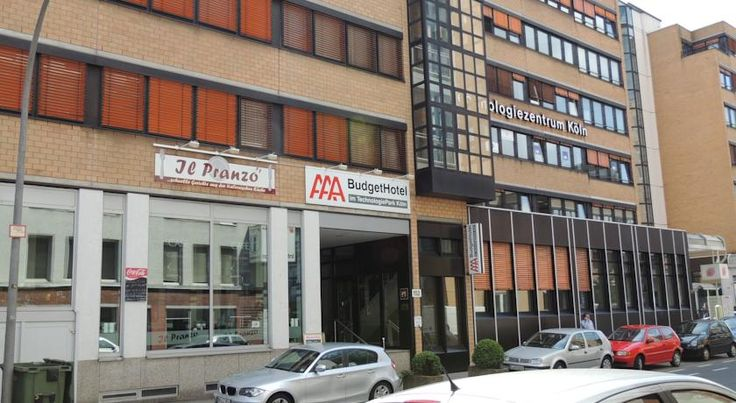 AAA Budget Hotel Köln The three star business AAA Budget Hotel offers best accommodation in a quiet area. Both for tourists and business travellers the AAA-Budget Hotel is the right choise.