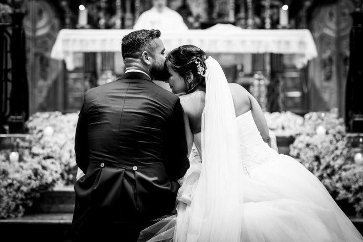 Os traigo la preciosa boda de Desirée y Bubu en Cádiz. Me conquistaron en la entrevista y luego ya en la boda… me dejaron sin palabras. Dos grandes personas que se aman con locura, y se puede percibir en cada momento con solo verlos mirarse…...