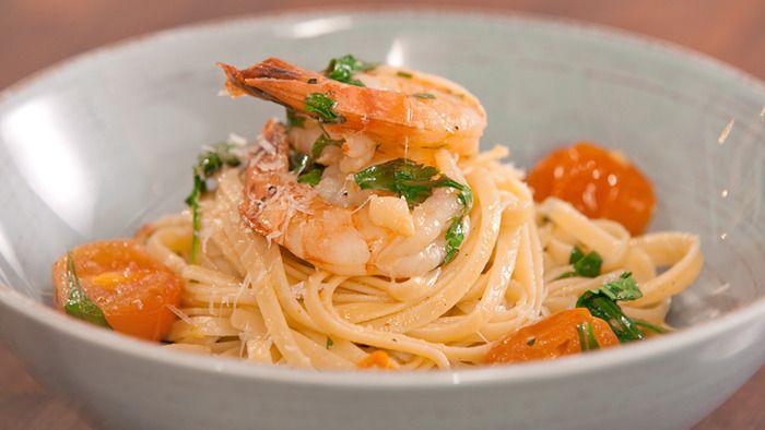 Linguini with Prawns, Chilli and Garlic
