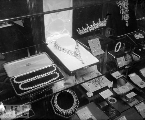 List Of Wedding Gifts Princess Elizabeth : ... weddings royal weddings rubies and diamonds wedding gifts photo