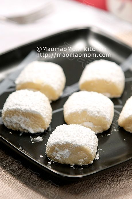 Melt in your mouth【Shortbread cookies】 by MaomaoMom This recipe is adapted from Joy of Baking. I made some modifications and these shortbread cookies are so nice, melting in your mouth. You got to try this.