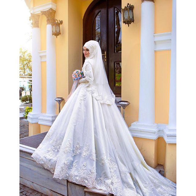 Barato Frisada Lace Manga Comprida Vestidos de Casamento Nupcial Vestido Com Hijab Muçulmano Véu Flores Pérolas Trouwjurk Islâmicos Vestidos de Casamento Barato, Compro Qualidade Vestidos de casamento diretamente de fornecedores da China: * Descrição do produto *DressesRose YWD332 Com MuslimWedding Hijab Véu Flores Pérolas Frisada Lace Manga Comprida Vestid