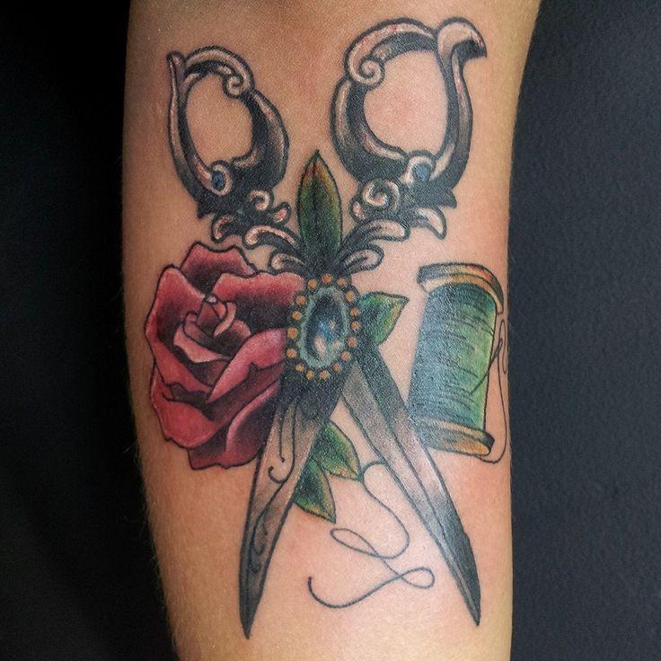 Citas disponibles!!! John Sierra. Diseños personalizados / custom designs. personas interesadas en tattuarse conmigo Inbox o contactar: Cel: 3117048426 Los Invito a todos a Visitar mis sitios: I invite everyone to visit my sites: Facebook : https://www.facebook.com/john.tattooer Instagram : http://instagram.com/johnsaw79 Tumblr: http://johntattooer79.tumblr.com/ Pinteret: http://www.pinterest.com/johntattooer/