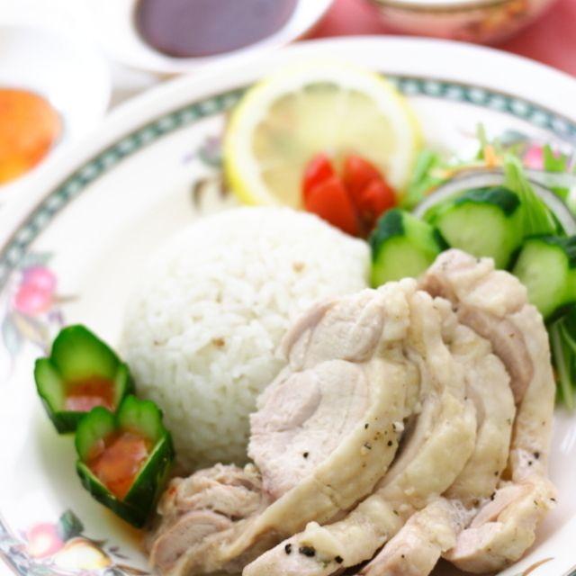 レシピ炊飯器でパパっと作る海南鶏飯(チキンライス)