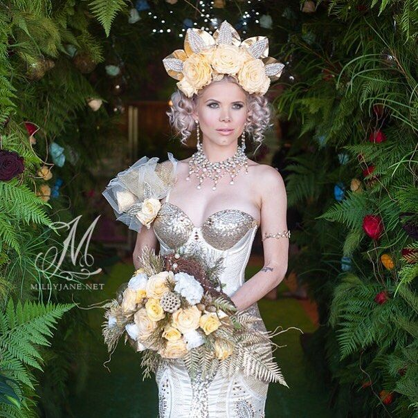 One of my stunning past brides Christiana rocking an Enchanted rose headpiece and bouquet  Gown by @rebeccacobbing Enchanted roses by @northsideflowermarket headpiece designed by @belle.folie.designs makeup and hair by @Velbella Jewellery by @wendylouisedesigns  #enchantedrose #ladycrush #magicrose #altbride #weddinginspiration #alternativebride #goldwedding #goldbride #flowercrown #weddingbouquet by millyjanephotography