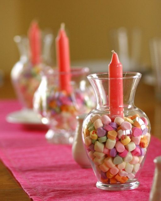 Easy valentine table easily adaptable for other holidays