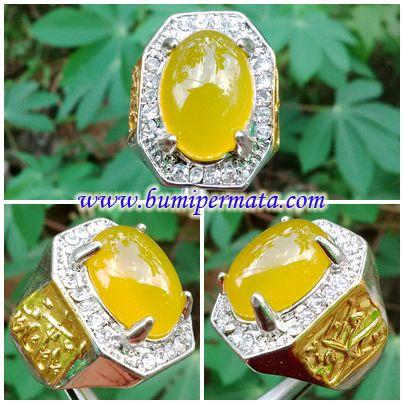 CM150 Batu Kalsedon Extra Joss Nama Batu Permata : Natural Yellow Chalcedony Dikenal : Batu Kalsedon Extra Joss Dimensi Batu Permata : est 17,92 x 13,06 x